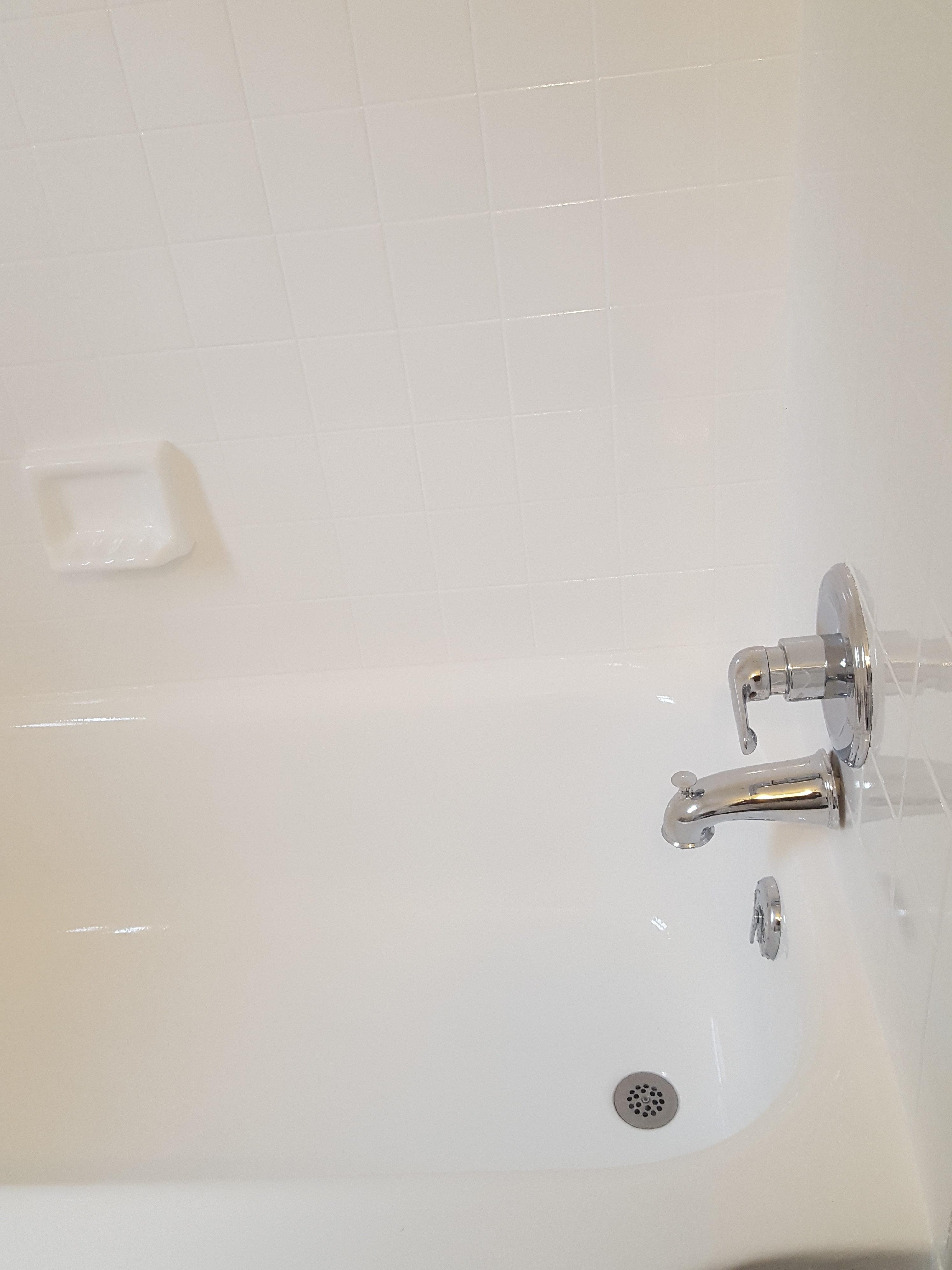 http://www.bathtubdoctor.com/wp-content/uploads/2017/03/20160429_101324-e1488683860236.jpg