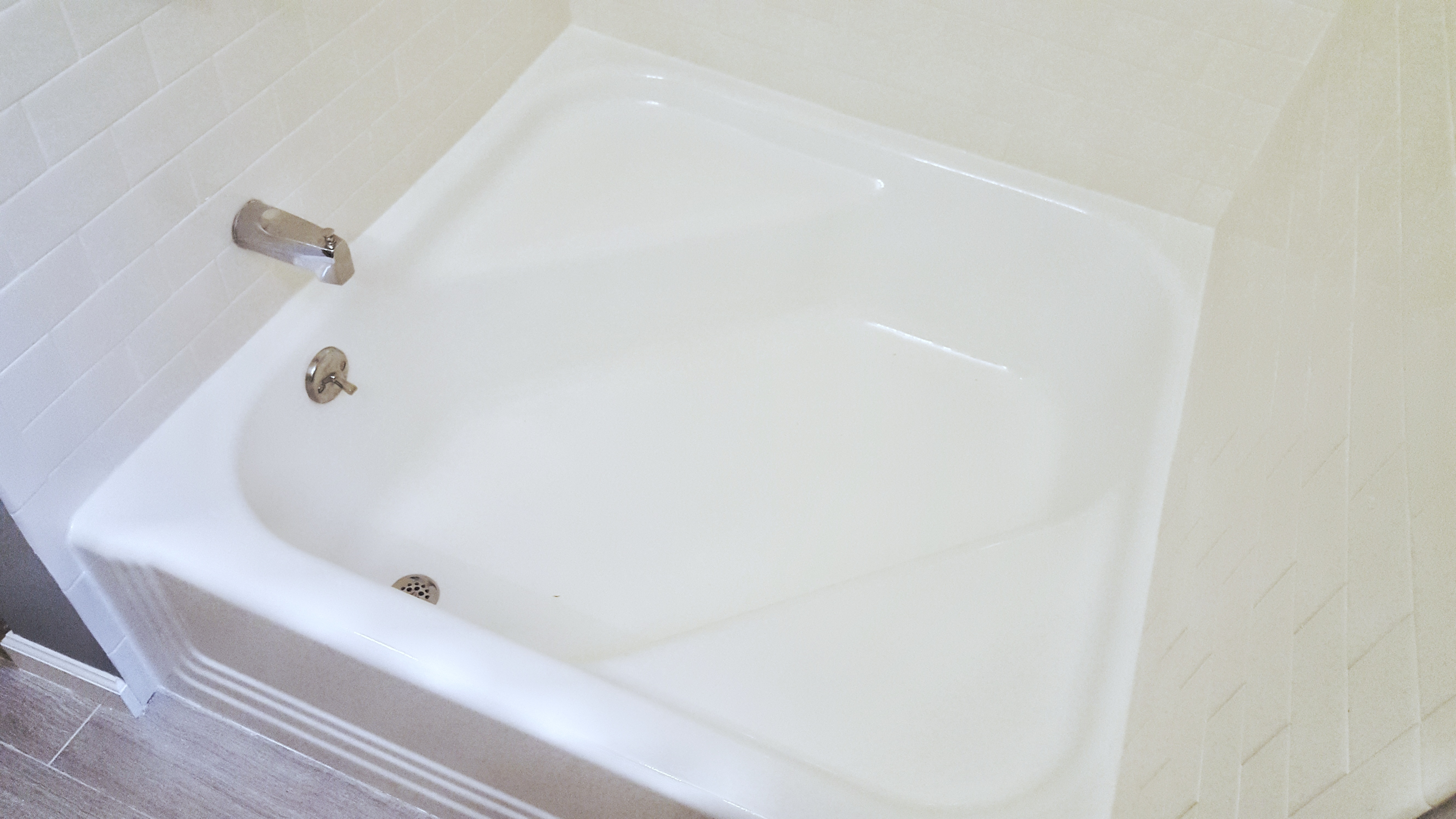 http://www.bathtubdoctor.com/wp-content/uploads/2017/04/20161110_155116-02.jpeg