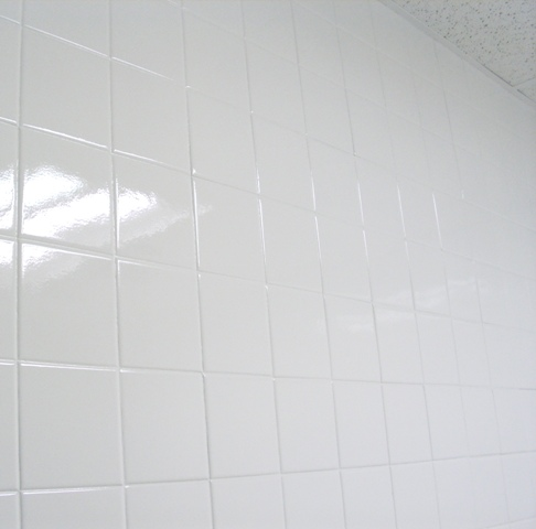Wall tile reglazing